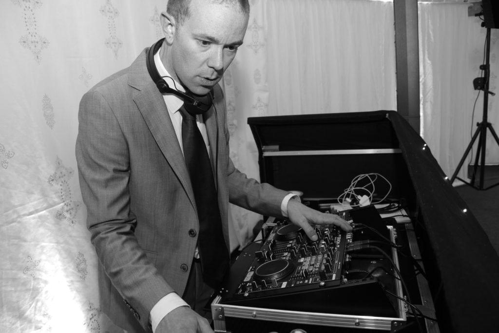 Iain- DJ