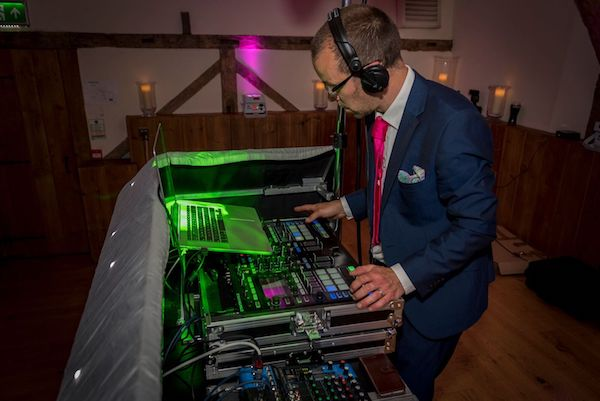 Iain-Baker-Wedding-DJ-KENT